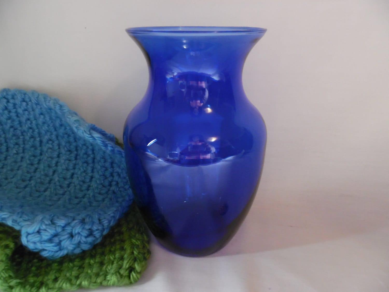 Glass vase cobalt blue glass large vase for roses and description this glass vase is a clear cobalt blue floridaeventfo Image collections