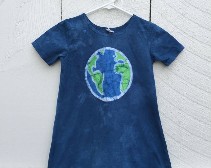 Featured listing image: Earth Day Dress, Earth Dress, Girls Earth Day Dress, Girls Earth Dress, Batik Girls Dress, Short-Sleeve Girls Dress, Girls Globe Dress