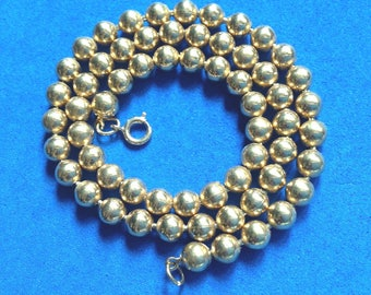 Vintage! Gold tone unmarked beaded single strand necklace.