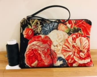 Cell phone bag in fabric and faux leather
