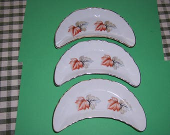 Vintage 1940's Bone Plates, Chadwick Bone Plate, Autumn Leaves, Snack Plate