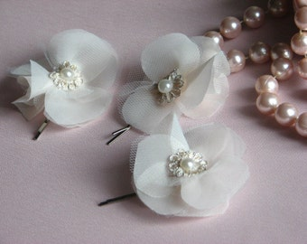 Champagne hair flowers 3 Ivory hair flowers Ivory tulle hair flowers Cream flower Champagne hair clips Champagne bridal flower Tulle flowers