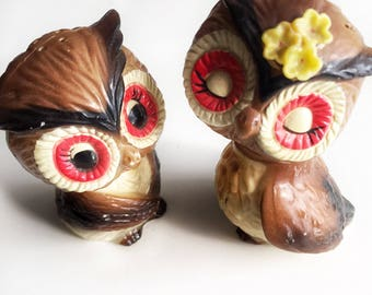 Owl salt and peppers, kitschy owl salt and peppers, owl cake toppers, vintage salt and peppers, made in Hong Kong