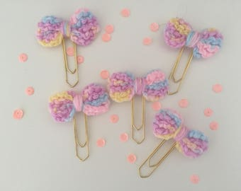 Crocheted bow paperclips