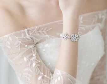 Wedding Bracelet , Crystal Bracelet , Ivory Pearl Bracelet, Bridal Cuff Bracelet , Swarovski Crystal Bracelet , Wedding Jewelry