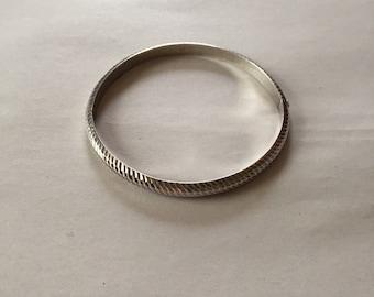 sterling silver bangle bracelet | grooved hinged bangle bracelet