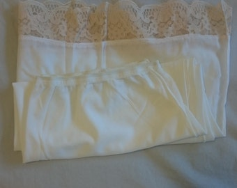 Half Slip Petticoat from the 1960s (size 14 Aus/UK & 7/US)