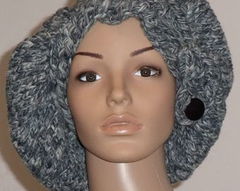 Knitted cap with volume for different wearing variants of grey Moulinegarn
