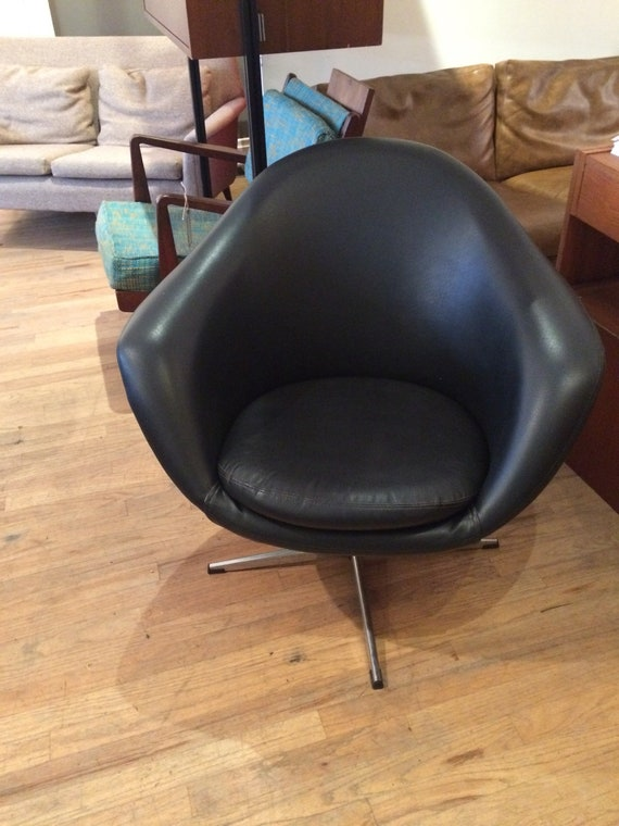 Superieur Overman Pod Chair Swedish With Swivel Base