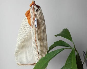 Reusable grocery bag from mesh fabric, in different colors
