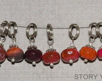 Stitch Markers, Orange and Red Agate, includes 7 markers with Grande Ring, Fits up to US 10 knitting needle (6.0mm)