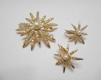 Vintage Emmons Aurora Borealis Demi Parure (7128) Brooch & Clip Earrings