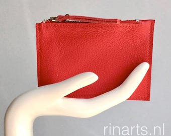Leather purse / wallet / coin case / card holder ZIPPY in bright red full grain leather. Leather slim wallet. Leather coin wallet
