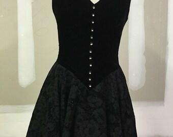 Sexy 1990s Vintage Halter Dress - Mini Length - Poofy Tulle Skirt - Black Velvet Dress Flocked Velvet - Holiday Party - New Years - 32 Bust