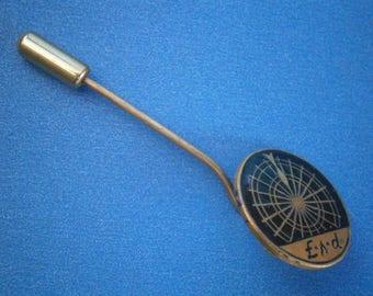BT67) Vintage enamel copper tone metal dart board badge lapel tie pin
