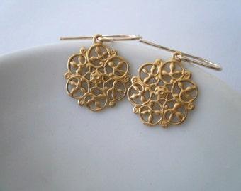 Gold filigree earrings Dainty gold drops Lightweight small gold earrings Victorian drop earrings Round earrings Flower dangles 14KGF wires