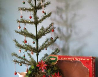 Electric Wreath by Yule Glo - Christmas Wreath - Vintage Holiday Home Decor