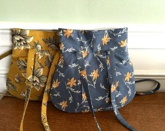 Everyday Purse - Handbag - Colonial Blue print - Designer Fabrics - Made it order - Fabric Purse
