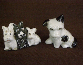 2 Vintage Miniature Ceramic Scottie Dogs.