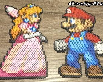 Super Mario Bros - Mario and Princesse Peach Perler Beads