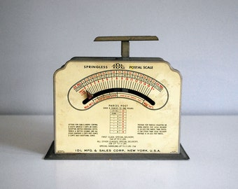 1940s Postal Scale, Industrial Weighing Machine, Rustic Office Decor, Gray Steel Scale, Cream Display Prop, Vintage IDL Springless Scale