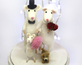 Family Wedding Cake Topper With Baby and Dog Family Portrait Wedding Cake Topper Wedding Custom Cake topper Needle felted Animal Silhouette