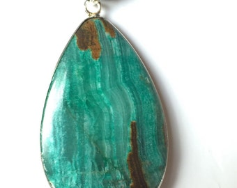 Green Lace Chalcedony Pendant Necklace