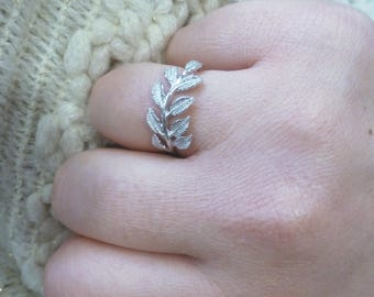 Laurel wreath ring, size 56 or 8.