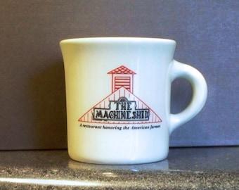 Tasse à café de Restaurant remise à la machine