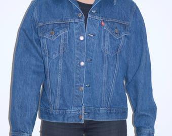 Levi Strauss Mens/Women's Classic Denim Jacket - Medium
