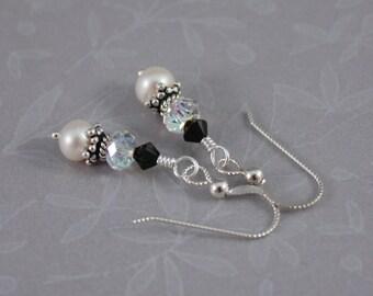 Black and White Elegance pierced earrings