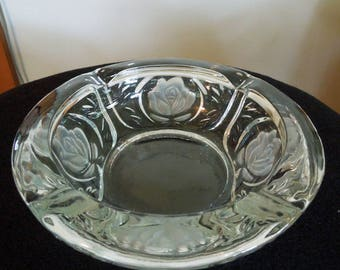 Nice Clear Glass Ashtray With Frosted Rose Motif