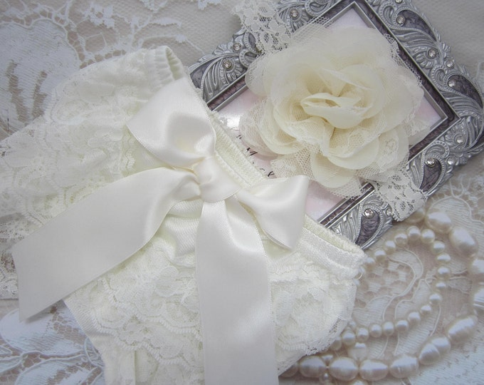 "Newborn Ivory Lace Diaper Cover / Bloomer AND/OR Chiffon and Lace 4"" Flower Headband, bebe foto, Lil Miss Sweet Pea"