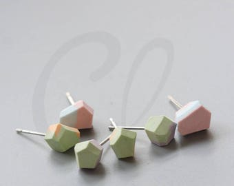 One Pair Faceted Ceramic Stud Earrings (E138)