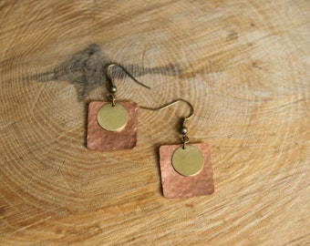 Square copper and round brass earrings