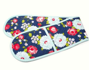 The Good Life Oven Mitt by Bonnie and Camille for Moda Fabrics