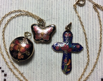 Three Interchangeable Gold Tone Vintage Cloisonné Pendants and One 16 Inch Chain
