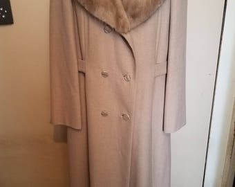 Long wool coat with a fur collar