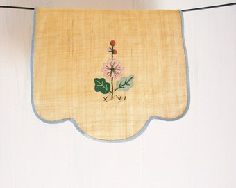 Applique Embroidered Doily Flax Linens Vanity Home Decor