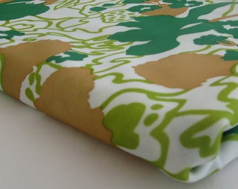 vintage GREEN FLORAL POLYESTER, measures 64 inches by 2 yards