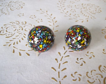 Italy handles and Knobs in high quality.Knobs of marble resin type, colored marble dough.Harlequin color.Diam:mm 33.price for 1 knob.art.327