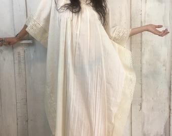 Vintage 70s Cream Kaftan// Vintage Bohemian Caftab//Large Vintage Cotton Kaftan// XL Cotton Dress