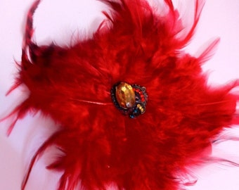 RED Coque Feather Fascinator Alligator Clip Brooch Pin w/ Retro Jewel Cabochon