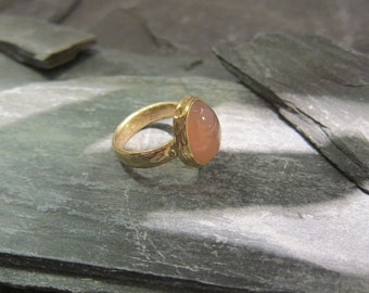 Pink Chalcedony ring gold plated, handmade in France.