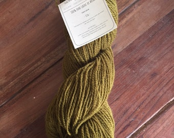 100% Canadian wool skein