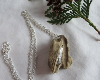 """19 1/2"""" Driftwood and Crystal Point Necklace, Necklace/Pendant/Driftwood/Silver Chain/Crystal Point Gemstone"""