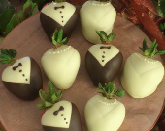 Wedding Favors, Chocolate Strawberries, Bridal Showers, Weddings, Dark Chocolate, White Chocolate, Gourmet Chocolate, Gifts for Her