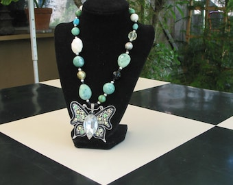 Gorgeous Vintage Butterfly And Bead Necklace