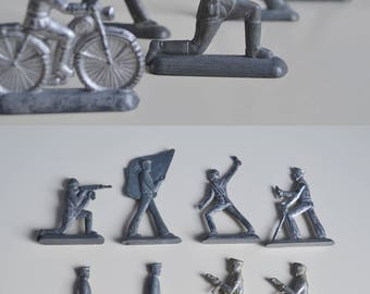 Tin Soldiers - Set of 10, Vintage Metal Soldiers, Retro Army Gift For Him - Military Desk Decor, Military Gift for Him, Vintage Toy Soldiers