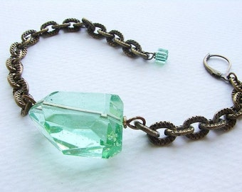Chunky chain bracelet, Peridot green chunky stone chain bracelet, Peridot Green stone bracelet
